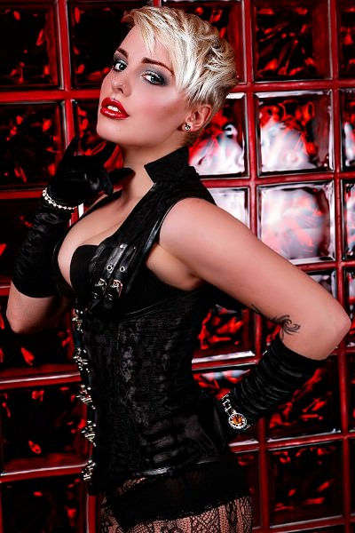 Domina Lady Lucy